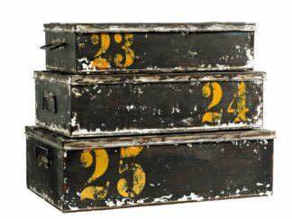 Flotte metalbokse med låg i skøn vintage stil
